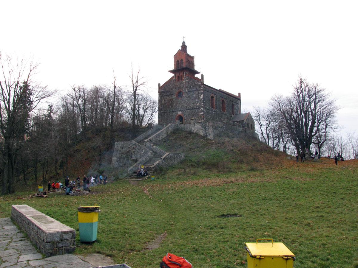 Kościółek na szczycie