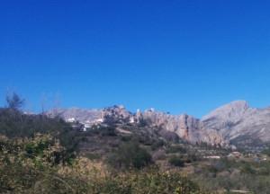 Miasteczko Guadalest i górujące nad nim zamki