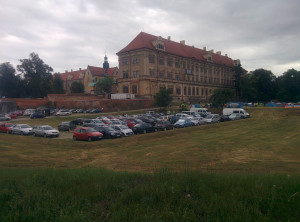 Lubiąż, ujęcie 3- parking ;)