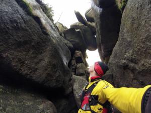 Pytlackie Kamienie, fajna formacja skalna m.in. z takim o skalnym mostem